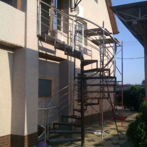 Лестницы межэтажные и крыльца