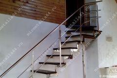 лестница в дом из нержавейки